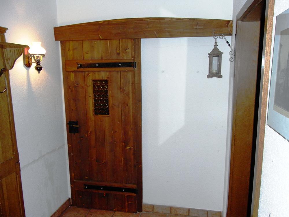 Innentüren aus Holz – rustikale Schiebetüren im ...