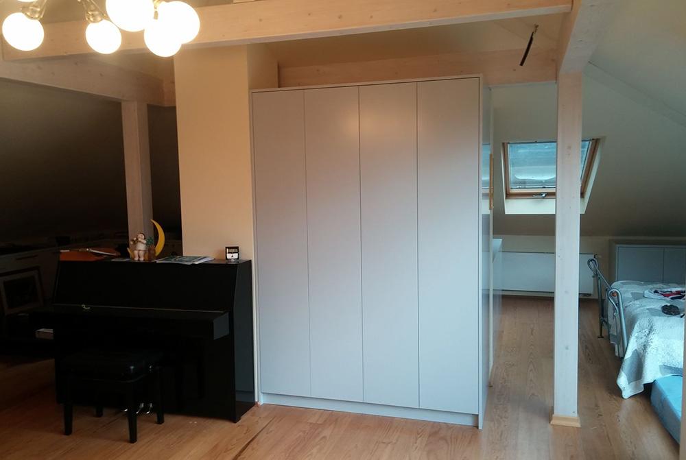 schrank grifflos tische f r die k che. Black Bedroom Furniture Sets. Home Design Ideas